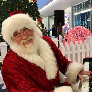 Распеаниот Дедо Мраз во Skopje City Mall