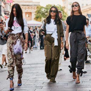Како се носат карго панталони оваа сезона?